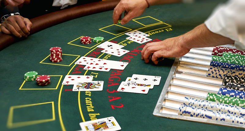 Whole guide about cards game in online casino
