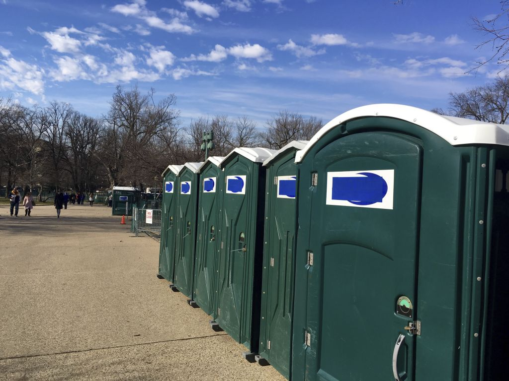 Top 4 Things To Consider While Hiring Portable Event Toilet