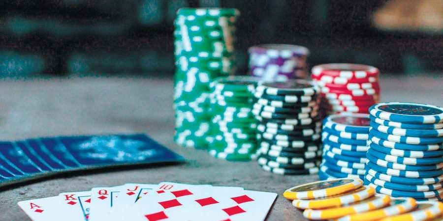 Want to play different forms of poker? The Indonesian Capsa server is best for you!!