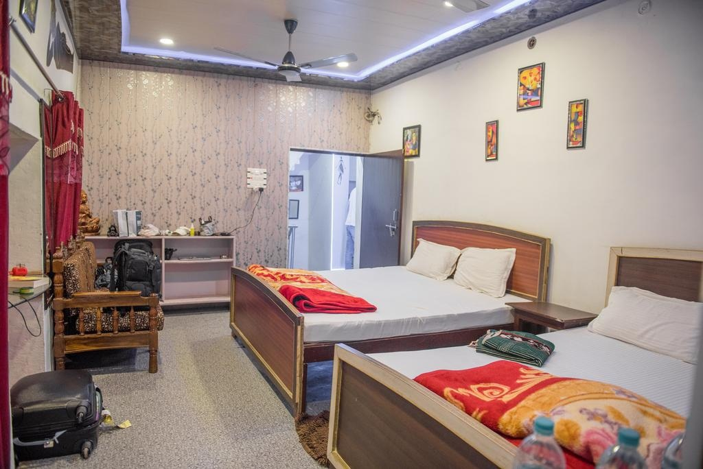Get To Know About Paying Guest House